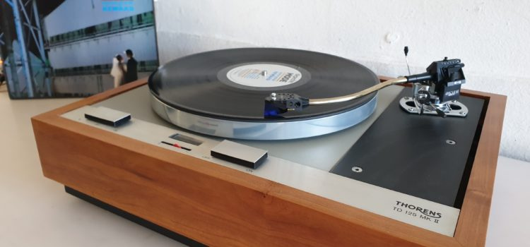 Sold: Thorens TD125 MkII With SME Series IIIs Tonearm and an Ortofon 2M Blue